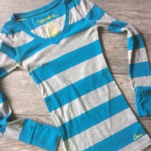 Aeropostale Long Sleeve V-Neck